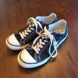 Star Converse Sneakers Size